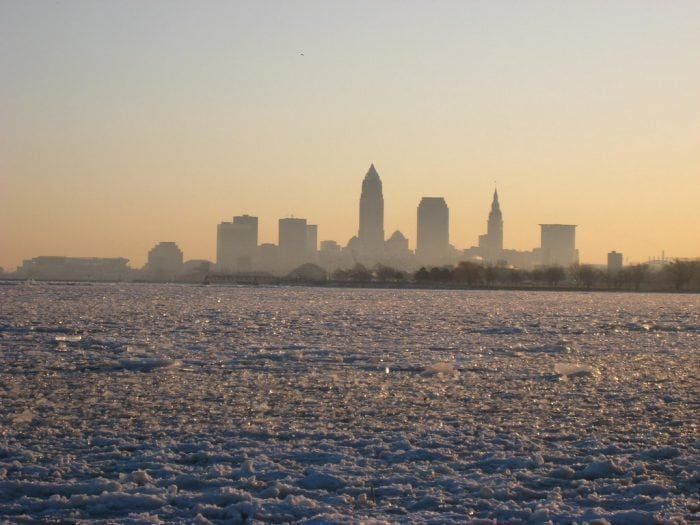 """Lake Erie Frozen"" (https://www.flickr.com/photos/teknorat/3328650786/"" by Teknorat via Flickr is licensed under CC BY-SA 2.0 (https://creativecommons.org/licenses/by-sa/2.0/)"