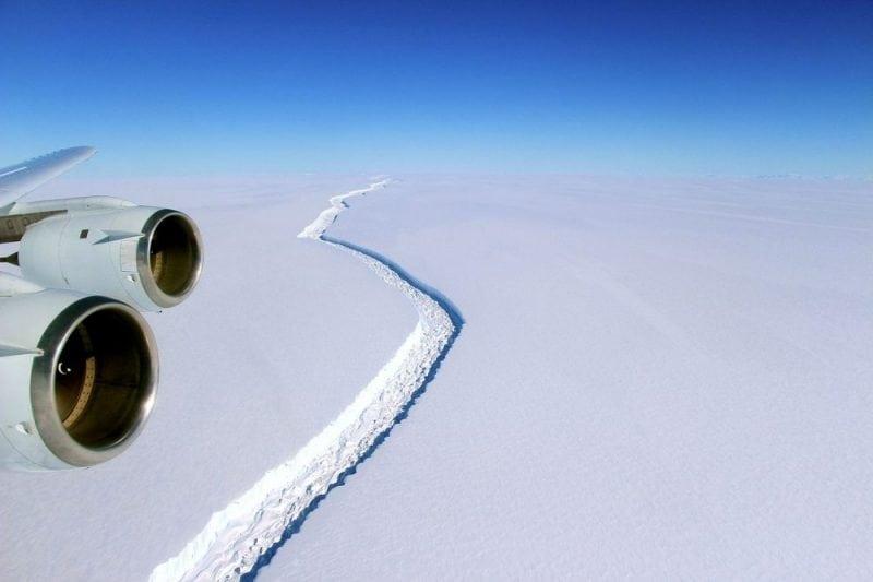 The Larsen C Ice Shelf rift in 2016. Image from Wikipedia.com