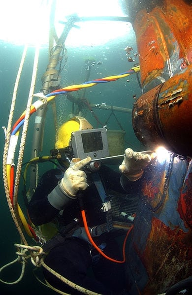Photo: Mass Communication Specialist Senior Chief Andrew McKaskle, US Navy, Public Domain