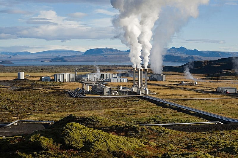 The Nesjavellir Geothermal Power Station in Iceland harnesses geothermal energy. Photo: Public domain