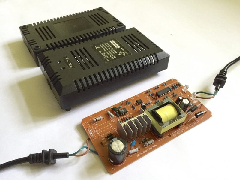 """""""Jingcheng HBC-03 36V Li-ion Battery Charger"""" by Kaspars Dambis (via Flickr) is licensed under CC BY 2.0"""
