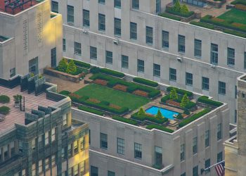 """""""30 Rockefeller Center rooftop"""" by Jwilly77 (via Wikimedia Commons) is licensed under the  Creative Commons Attribution-Share Alike 3.0 Unported license"""
