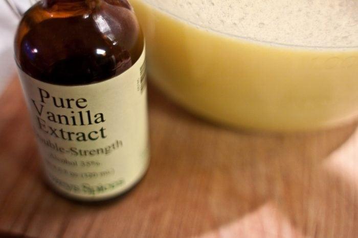 """Pure vanilla"" by Bill Holsinger-Robinson (via Flickr) is licensed under CC BY 2.0"
