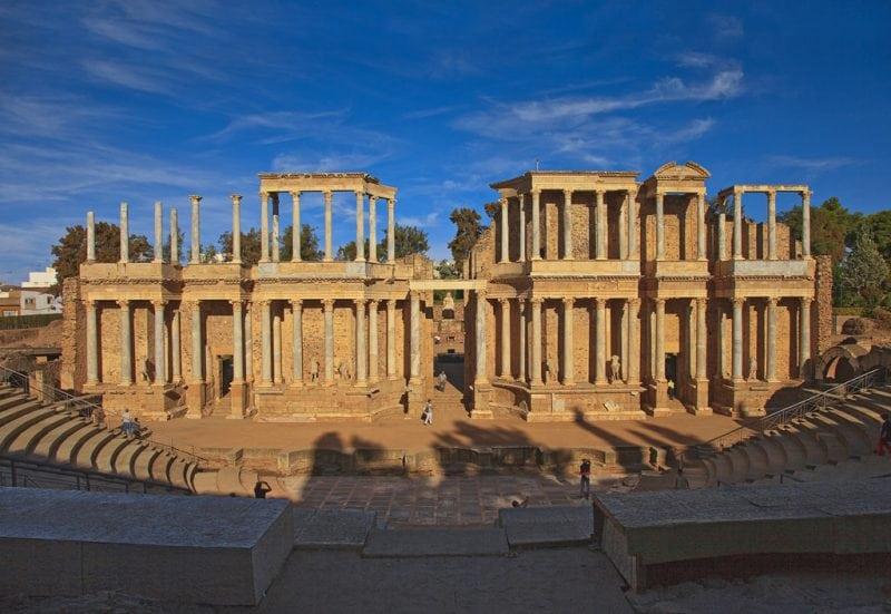 Mérida Roman Theatre, Badajoz, Extremadura, Spain. by Tomás Fano / Flickr, is licensed under CC BY-SA 2.0