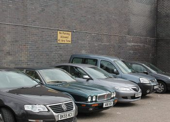 """""""Parked cars"""" by Mum's taxi (via Wikimedia Commons) is licensed under a  Creative Commons Attribution-Share Alike 3.0 Unported license"""