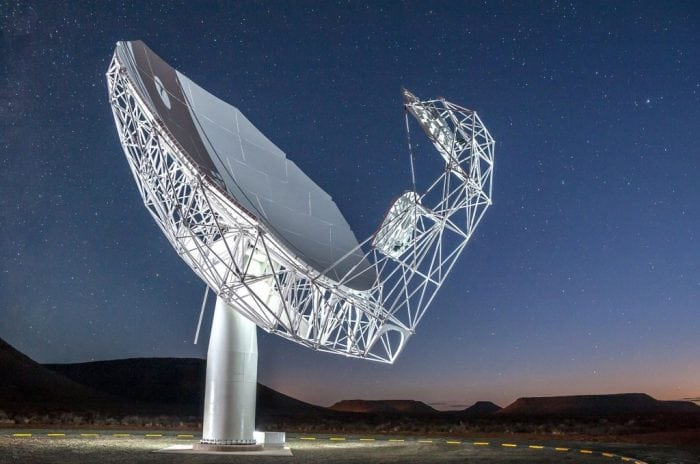 One of the antennae of the MeerKAT radio telescope. Image source: Wikimedia Commons.