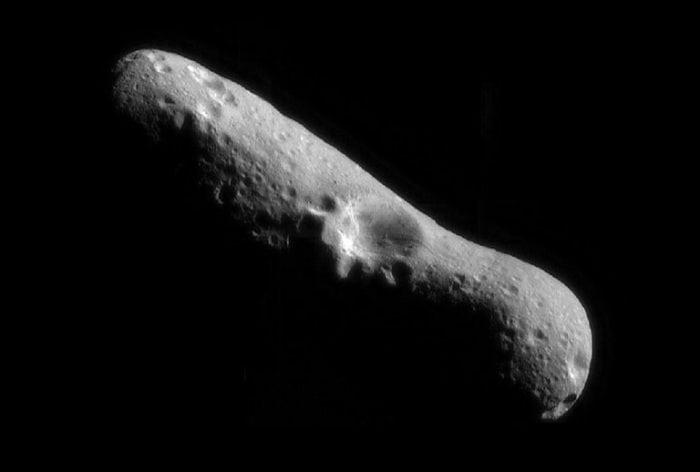 Asteroid 433 Eros (Credit: NASA)