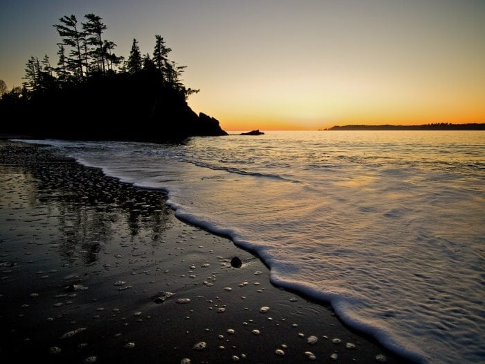 """""""winter beach"""" by Dale Simonson (via Flickr) is licensed under CC BY-SA 2.0"""