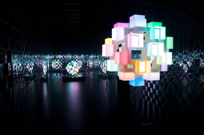 """Fuorisalone Milano OLED"" by Luca Volpi (via Flickr) is licensed under CC BY-SA 2.0"