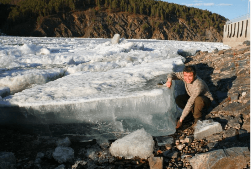 Figure 2: Beiji village, Heilongjiang River, China. The big ice sheet located on the bank after ice breakup. Credit: Hui Fu