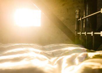 """Dusty"" bedroom. Image credit: Pexels"