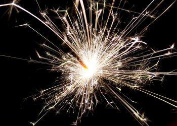Photo: PublicDomainPictures via Pixabay, URL:https://pixabay.com/en/sparkler-new-year-sparks-glowing-84715/,  CC0