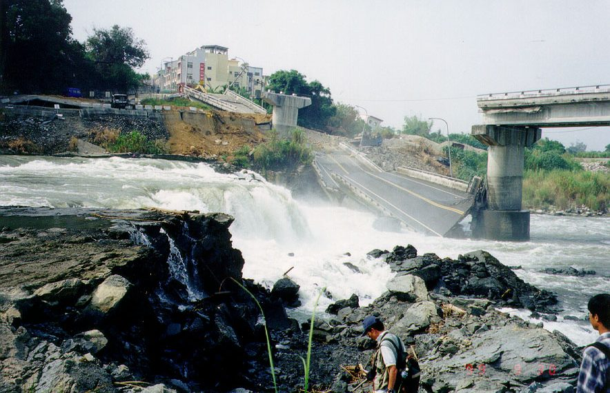 The 1999 Chi-Chi earthquake ruptured through the river, built up a small waterfall, and destroyed a concrete viaduct. (Credit: Dr. Jian-Cheng Lee, IESAS) Image republished with permission from Science Advances.